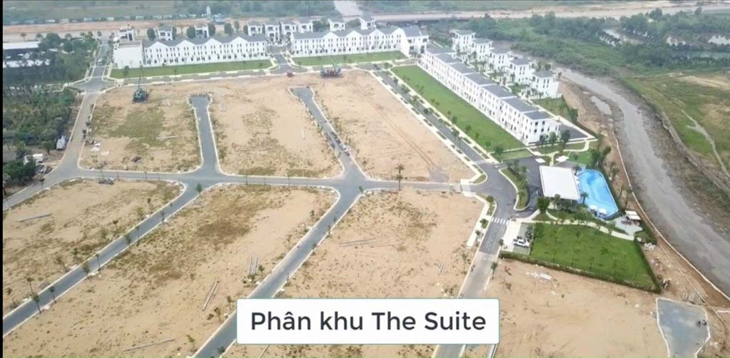 tien do phan khu the suite tai aqua city