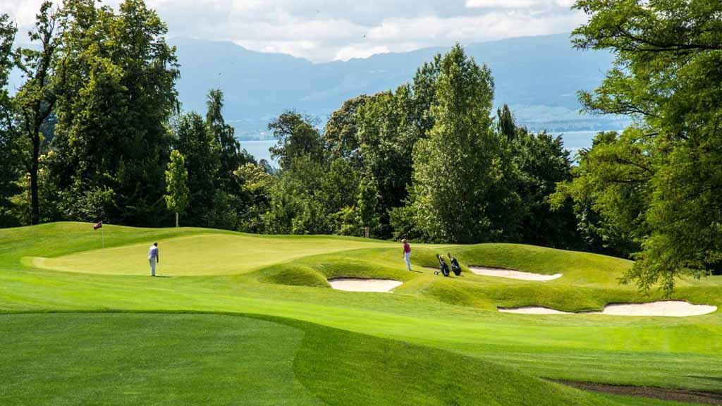 san golf thuc te hoa tien paradise